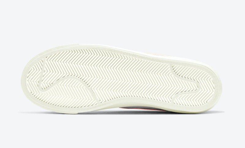Tenisky Nike Blazer Mid '77 WMNS CZ1055-110