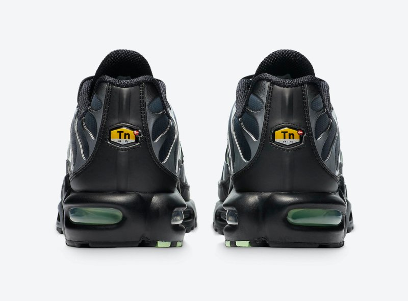 Tenisky Nike Air Max Plus Particle Grey CZ7552-001