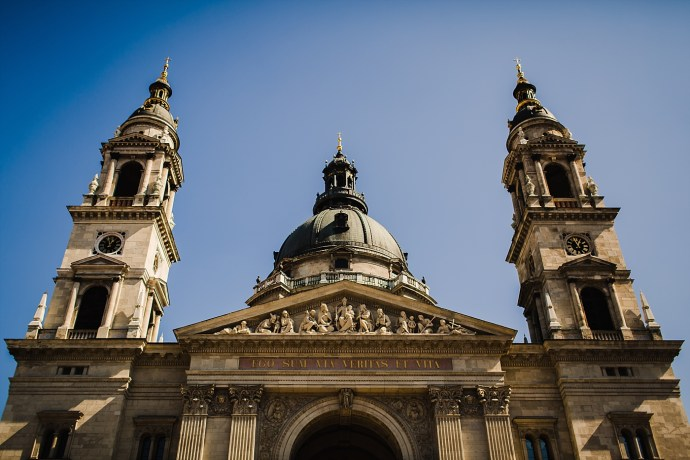 image shows budapest st. stephens basilica mirela bauer photo