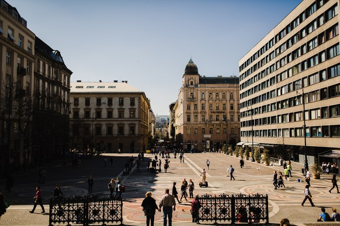 image shows budapest square mirela bauer photo