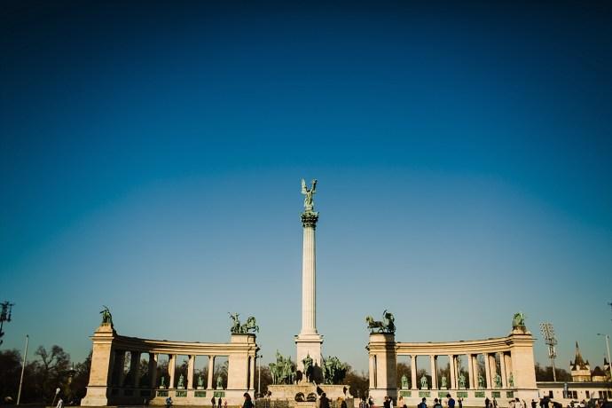 image shows budapest square mirela bauer photo