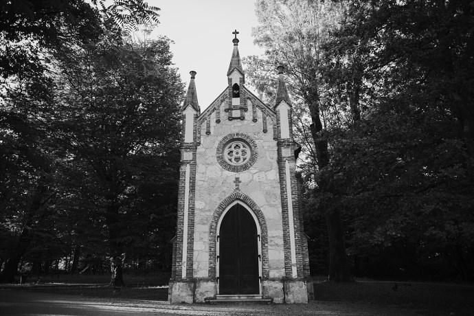 mirela bauer photography touch of love novi dvori wedding session church