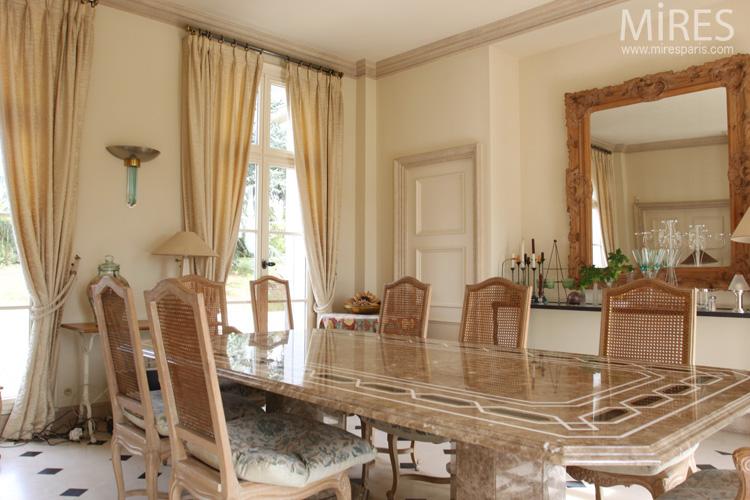Une Salle Manger No Classique C0591 Mires Paris
