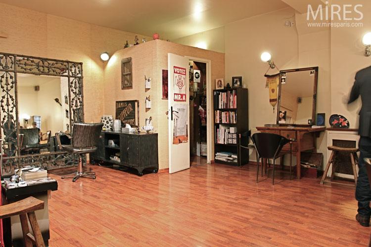 salon de coiffure a l ambiance vintage