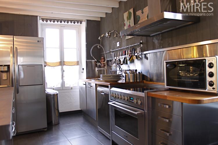 Cuisine Loft Avec Carrelage Fonc C0678 Mires Paris