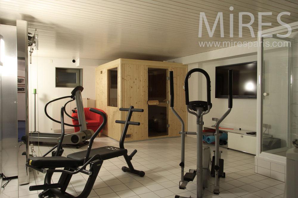 Salle De Fitness Au Sous Sol C1015 Mires Paris