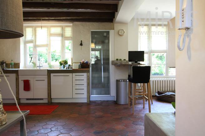 entree sur la cuisine ouverte c1057