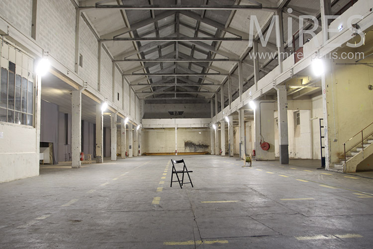 Workshop   Mires Paris Empty industrial building  C1199