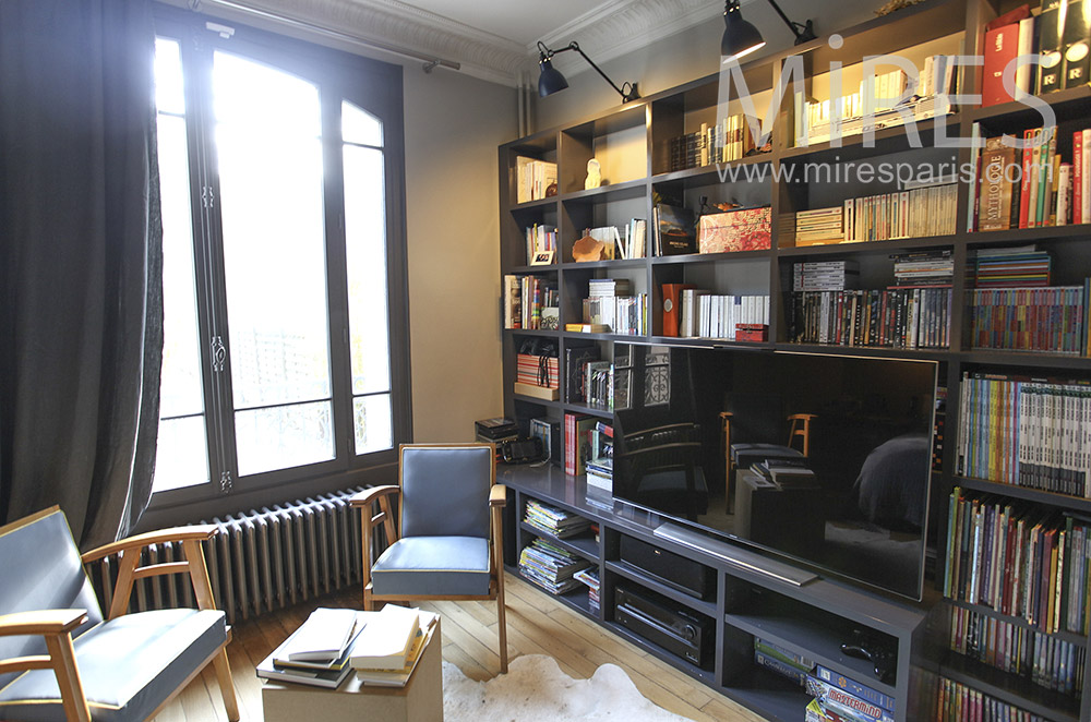 chambre avec mur bibliotheque c1608