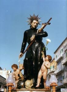 Patung Santo Aloysius Gonsaga di depan Collegio Jesuit di Molfetta