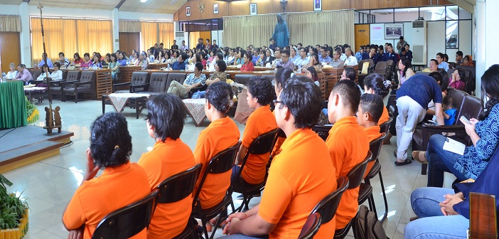 Dua ratusan peserta Seminar PARENTING 3.0 (Menjadi Orang Tua di Era Sosial Media).