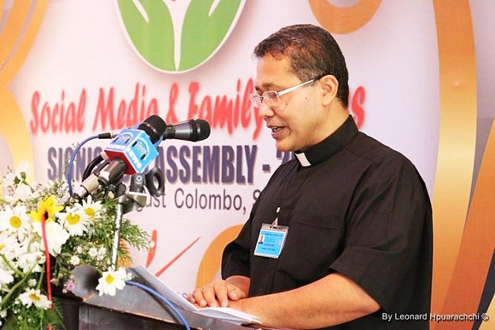 RD-Gabriel-Presiden-Signis-Asia-memberikan-kata-sambutan-saat-pembukaan-Signis-Asia-Assembly-di-Sri-Lanka