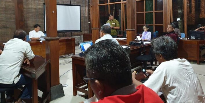 Diskusi bersama Komsos KWI & para penerbit Katolik (Dokpri: RD Steven Lalu)