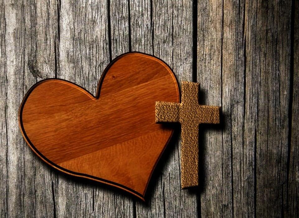 Postiti ili zaljubljeno slaviti? Valentinovo i Pepelnica sudaraju se prvi put od 1945.