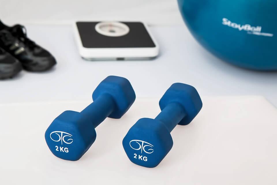 Ako vas bole koljena, kukovi ili stopala, izvodite ove tri vježbe