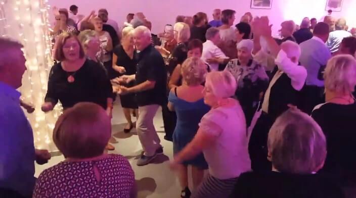 [VIDEO] Pogledajte kako su umirovljenici u Vodicama plesom proslavili svoj dan