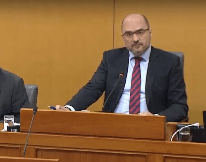Afera SMS: Uhićeni kum Milijana Brkića prima mirovinu od 12.000 kuna dok radi kao vozač u ministarstvu