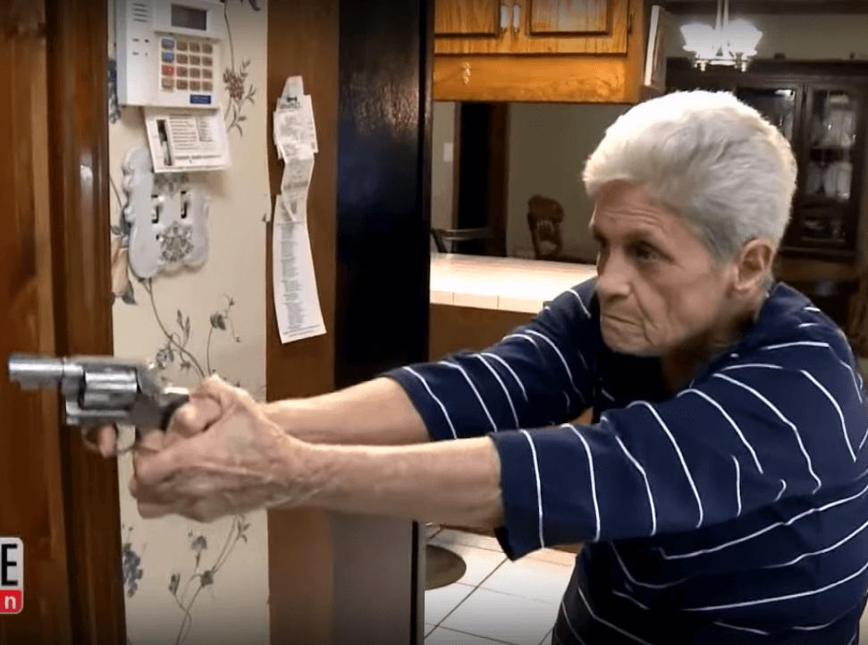 Provalio 79-godišnjakinji u stan, ali nije znao da je ona ljubitelj vatrenog oružja
