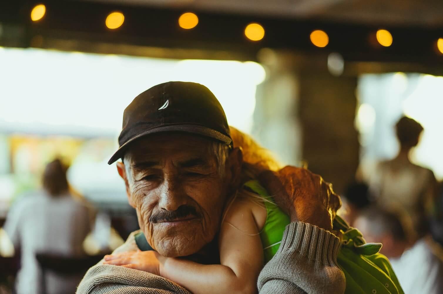 Ne daju vam da se viđate s unucima? Pozovite se na ovaj članak Obiteljskog zakona!