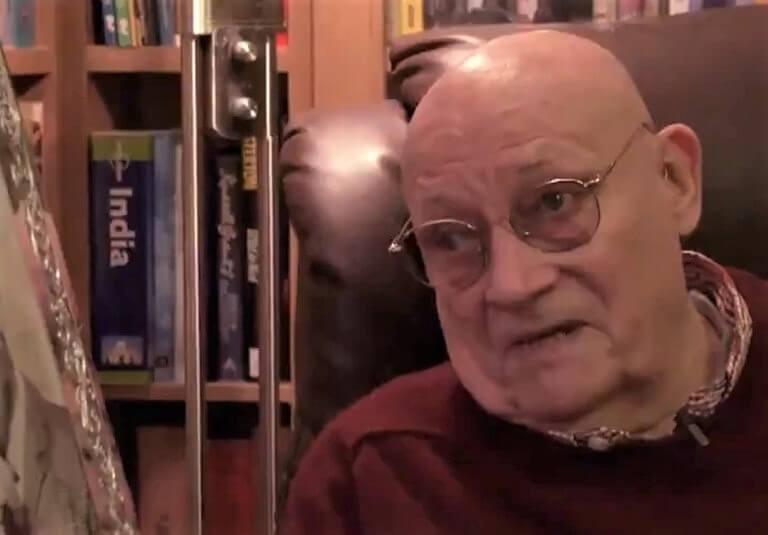 [VIDEO] Usamljenog umirovljenika ganuli do suza iznenađenjem za Božić