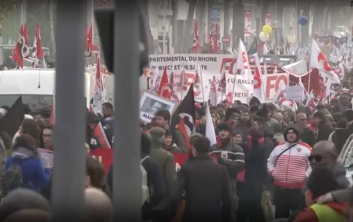Ulice u Francuskoj su pune ljudi koji ne žele mirovinsku reformu