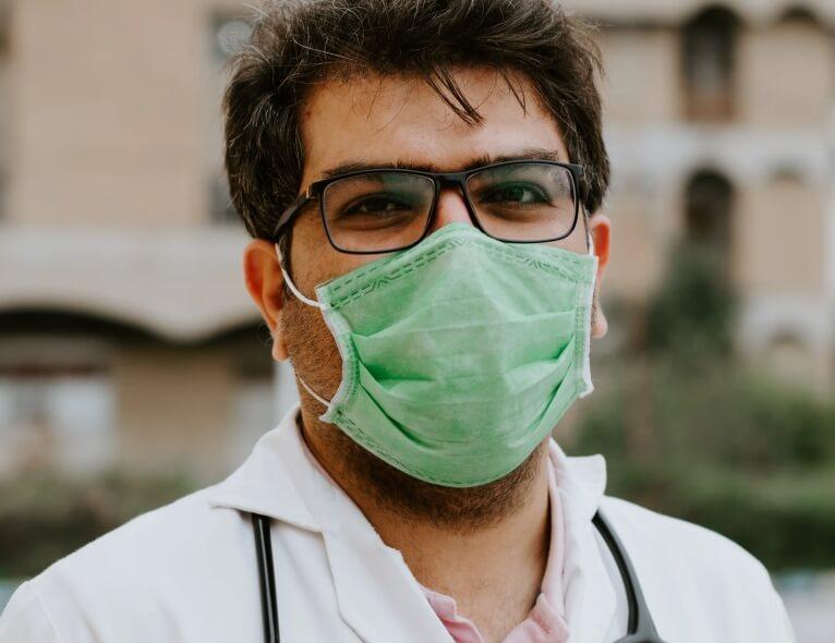 Gerijatri savjetuju 60+ populaciji i njihovim obiteljima: Evo kako se nositi s koronavirusom