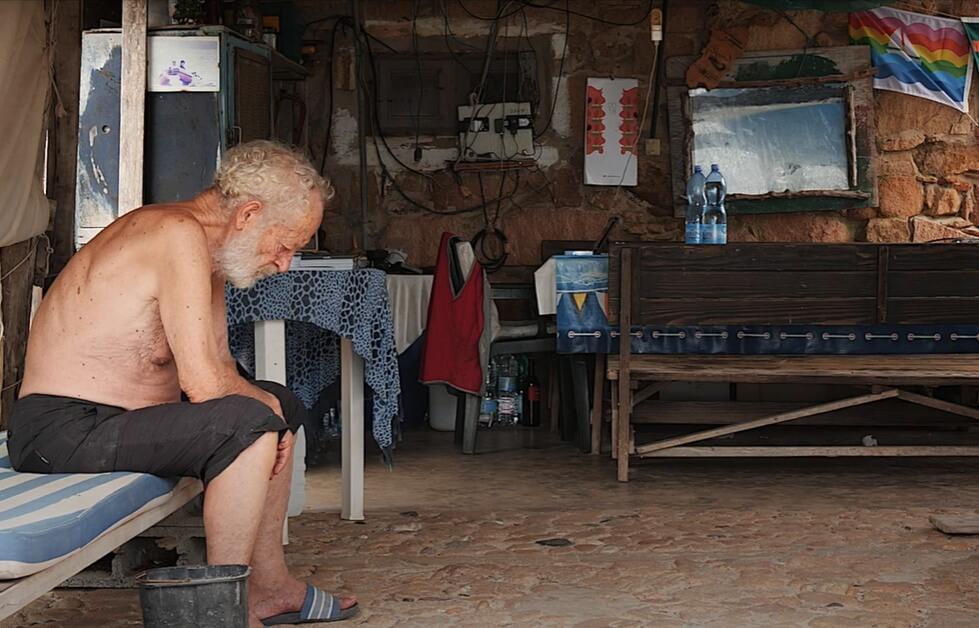 Umirovljenik (81) preko tri desetljeća živi na pustom otoku, a sada mu prijeti deložacija
