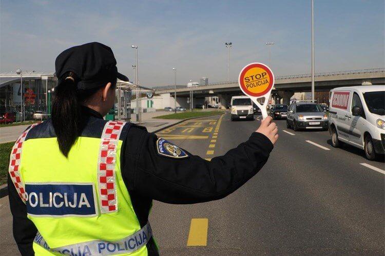 Stariji vozač (79) jurio autocestom 26 kilometara u pogrešnom smjeru