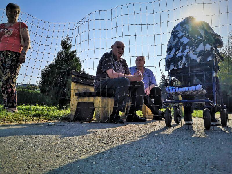 Stariji iza žice: Ovako žive umirovljenici u karanteni jednog od najvećih domova
