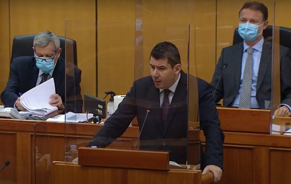 """Grmoja pozvao Vladu da osigura """"covid dodatak"""" umirovljenicima, Hrelja o obiteljskim mirovinama"""