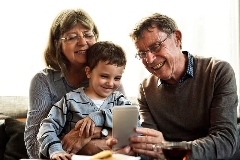 Papa Franjo utemeljio Svjetski dan baka, djedova i starijih osoba