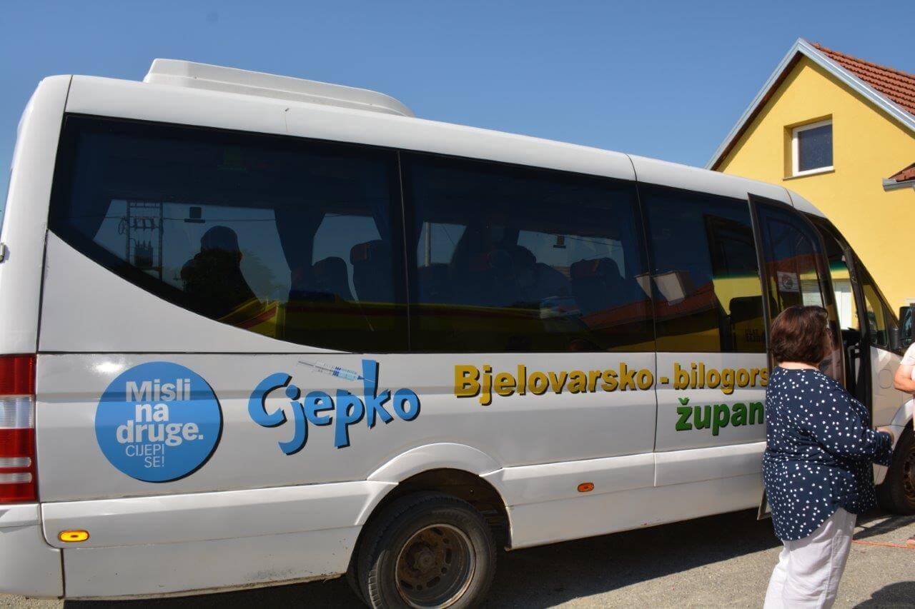 """U ovoj županiji covid bus dobio ime: """"Cjepko"""" omogućuje cijepljenje na kućnom pragu"""
