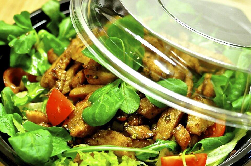 [BAKINA KUHINJA] Da se ne baci: Ukusna i zdrava salata od ostataka hrane