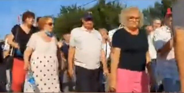Autobuse pune umirovljenika prevarom umjesto u toplice odveli na Vučićev skup o Oluji