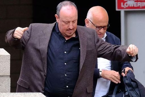 Rafa Benitez arrives at St James Park