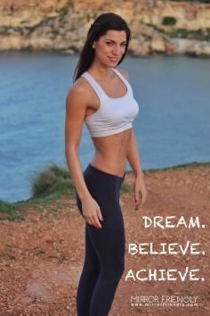 mirror_friendly_martina_dream_achieve_believe