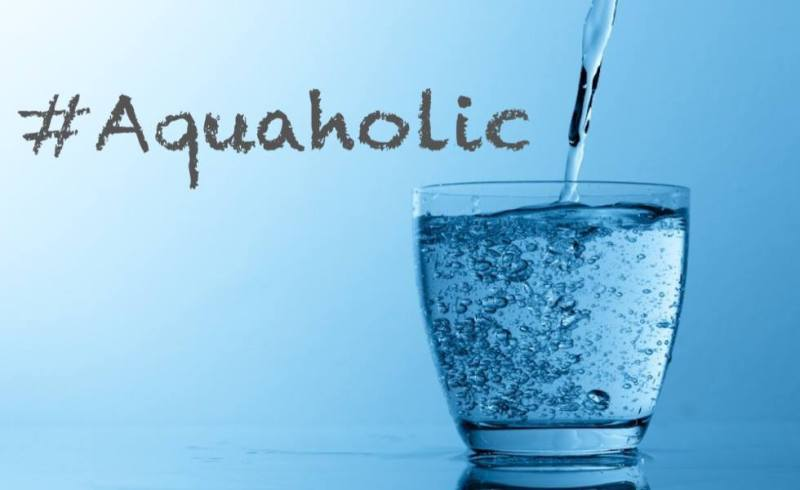 mirror_friendly_aquaholic