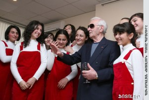 Aznavour and Tigran Hekekyan's choir