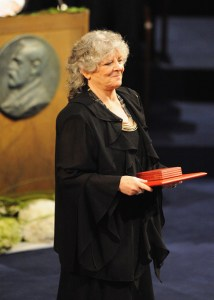 Ada Yonath of Israel receives the 2009 Nobel Prize in Chemistry from Sweden's King Carl XVI Gustaf at the Concert Hall in Stockholm December 10, 2009Photo: REUTERS/Peter Andrews