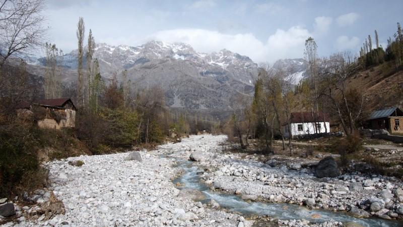 PA294644  Arslanbob, Kyrgyzstan, Kirgistán, walnut forest, bosque nogal