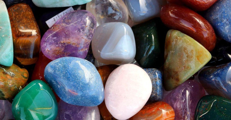 Lithothérapie et pierres précieuses