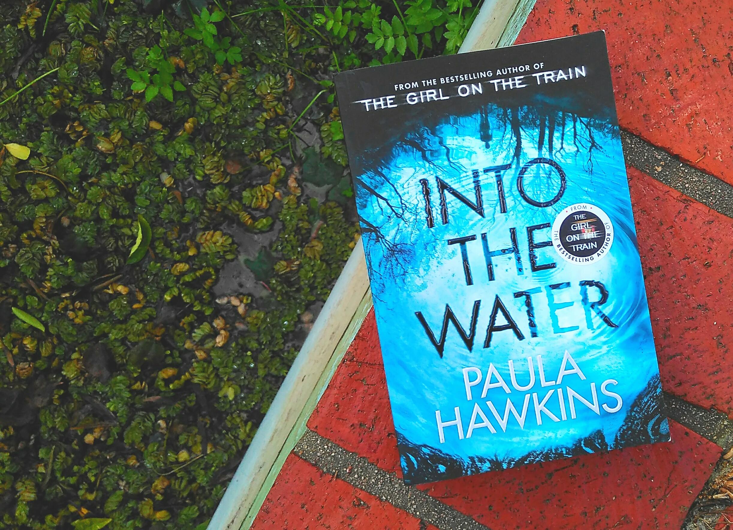 Into the water – Paula Hawkins