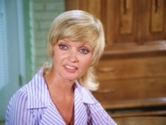 Carol-Brady-the-brady-bunch-10706627-793-599