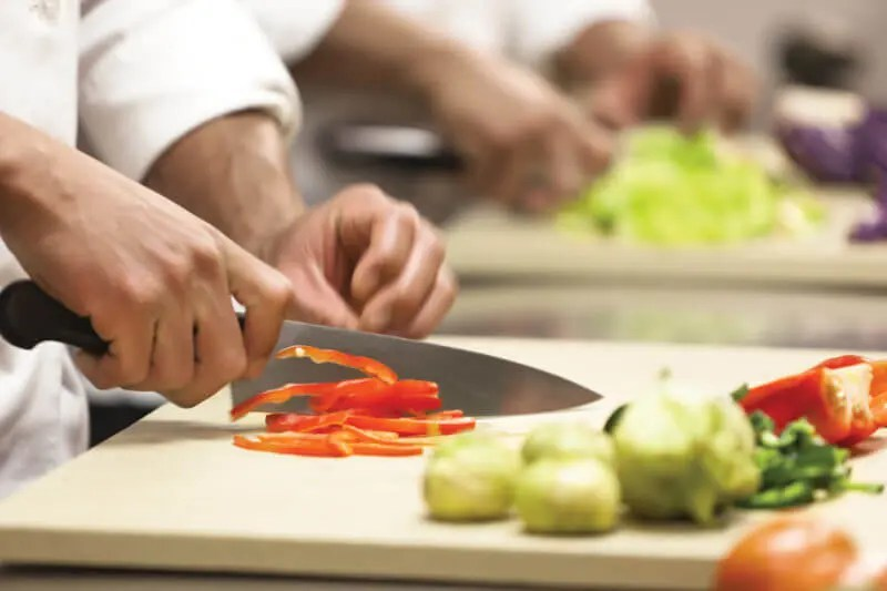6 Most Important Commercial Kitchen Knives