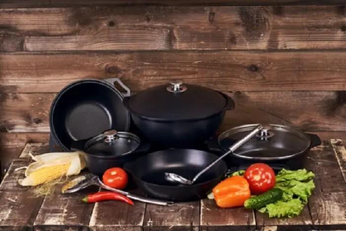 Restaurant Kitchen Stovetop Cookware