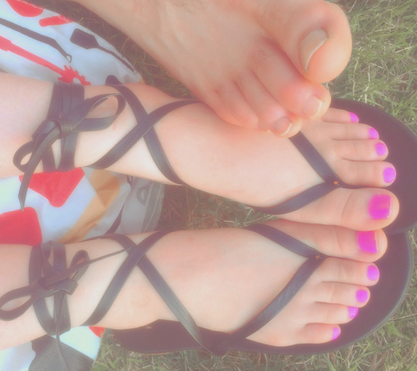feet cuddles