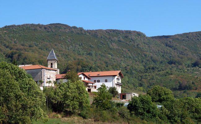 Villanueva de Arce subiendo desde Arrieta