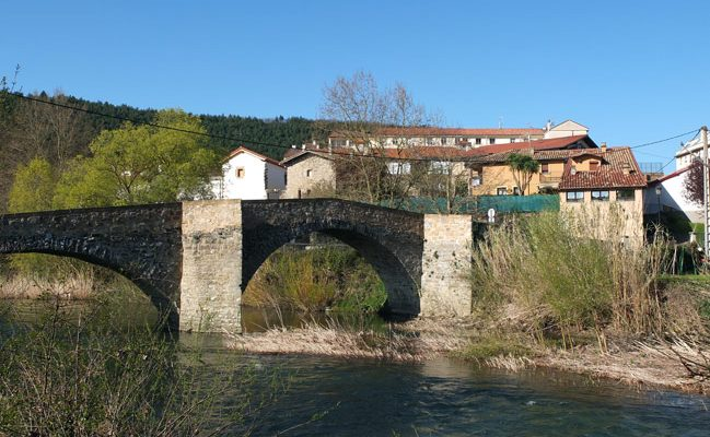 Puente de Arre en Esteribar Navarra