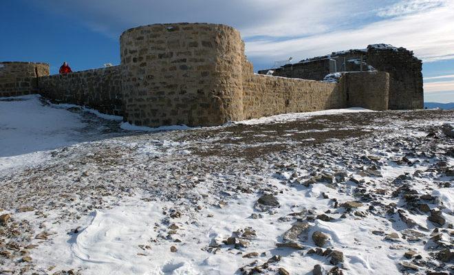 Castillo de Irulegi en el monte Lakidain