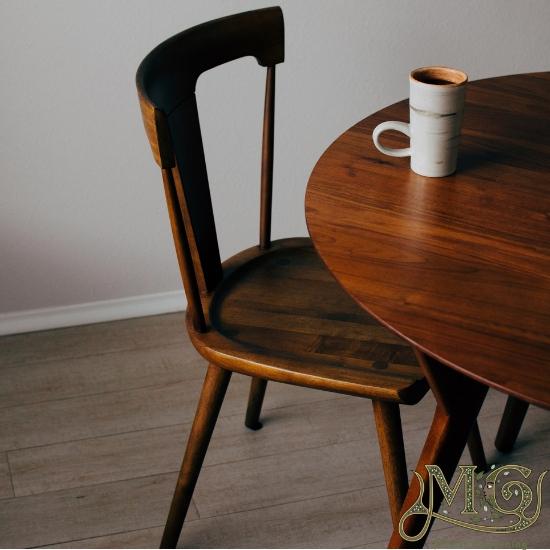 wie man Möbel poliert